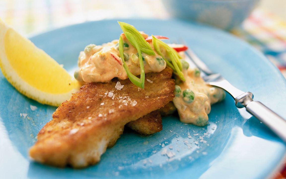 Stekt fisk med spicy mimosasallad
