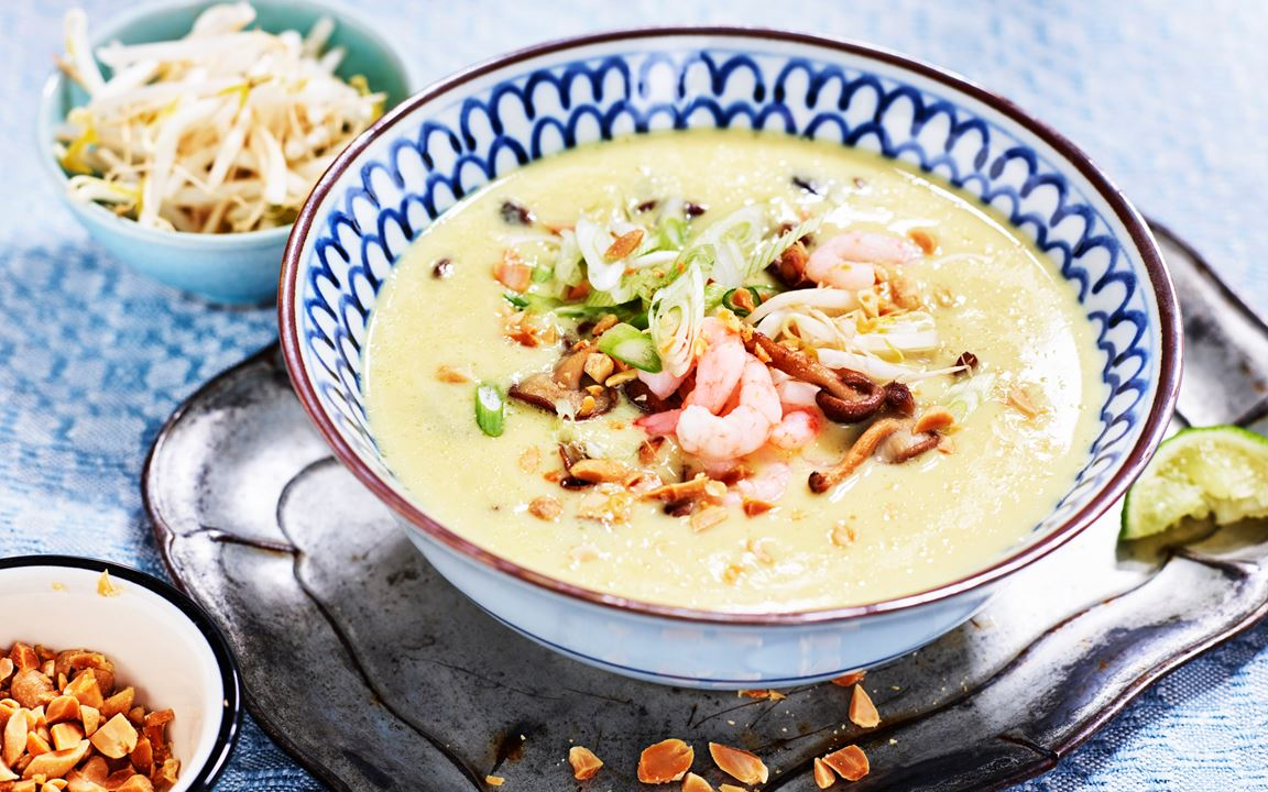 Thaisoppa med räkor och shiitake