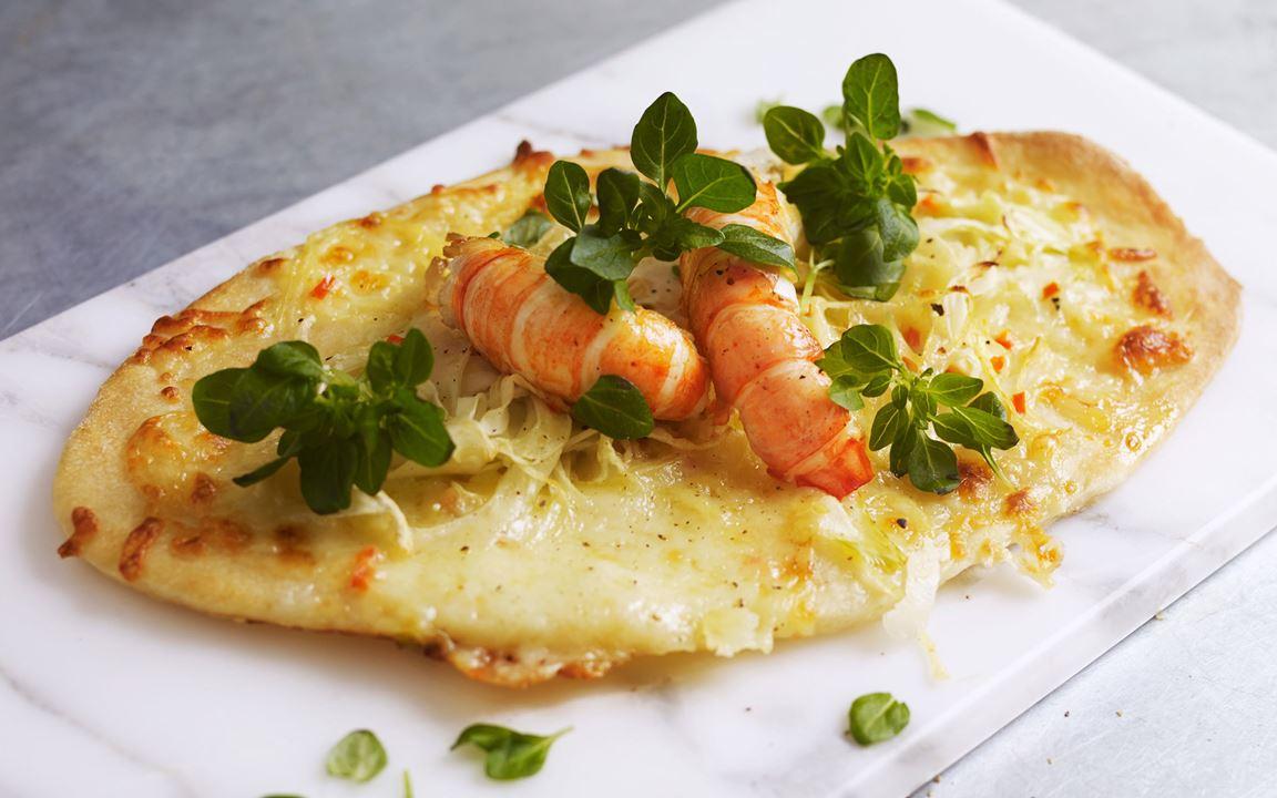 Pizzetta bianca med fänkål och stora räkor