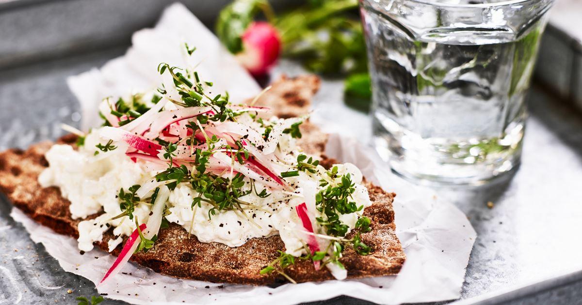 Kn ckemacka med cottage cheese och r disor recept arla for Med cottages