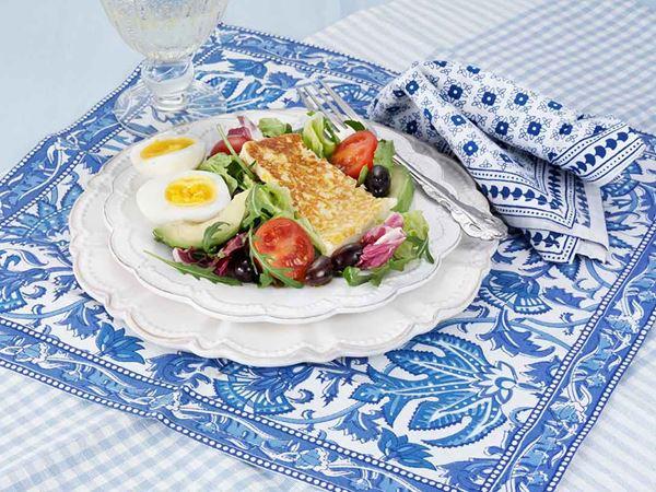 Sallad med oliver och avokado