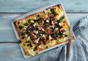 Mildädelostpizza med fikon och potatis