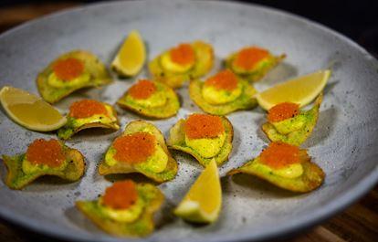 Sveciacrème, potatischips, löjrom och torkad purjolök (Årets Kock)
