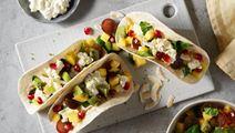 Minitacos med fruktsallad och cottage cheese