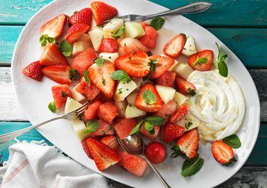Melon och jordgubbar i citronmarinad