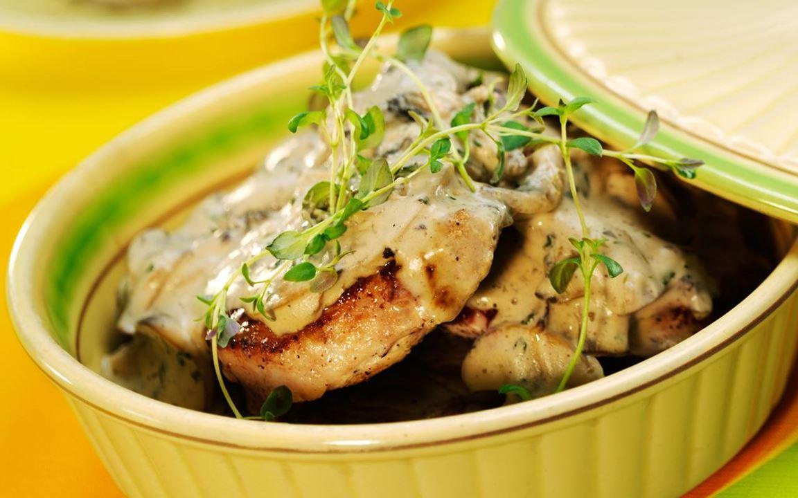 Fläskkotletter med smakrik svampsås