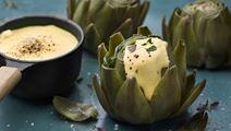 Kronärtskocka med majonnäs på brynt smör
