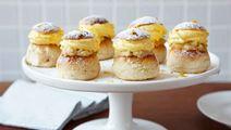Minisemlor med saffran- och apelsinfyllning