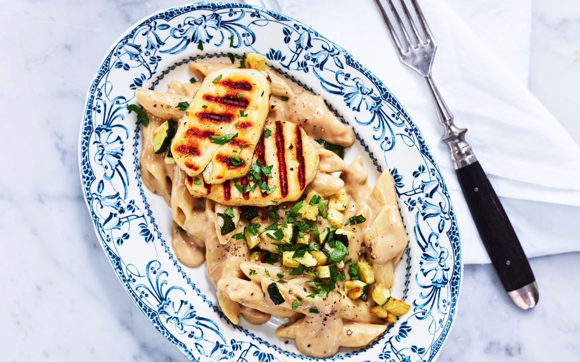 Pasta med svampsås och halloumi
