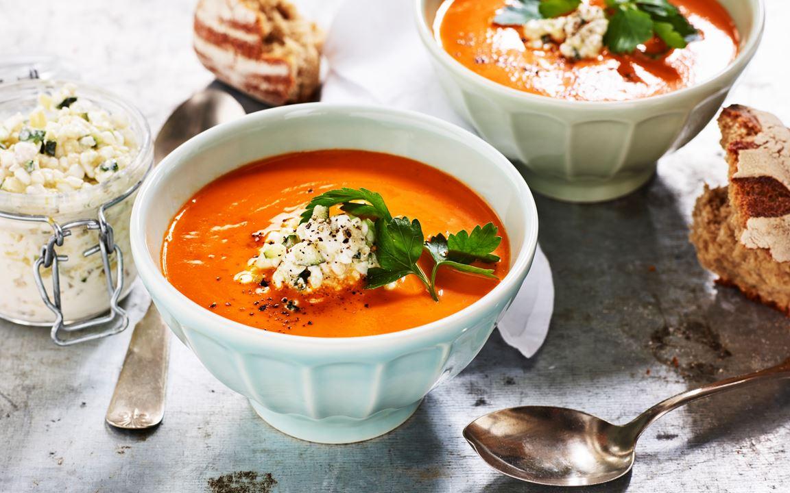 Tomatsoppa med zucchini