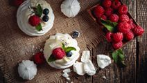 Pavlova with Fruit Cream