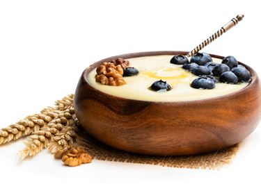 Semolina Pudding with Blueberry and Cardamom