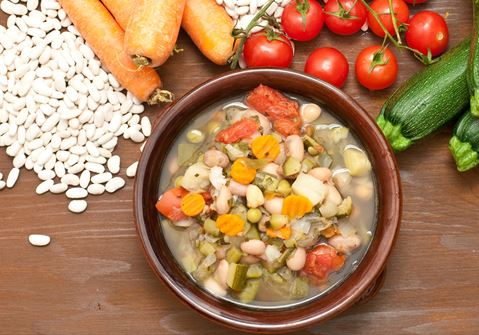 Vegetable soup with fennel
