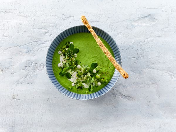 Cold Pea Soup with Yogurt and Grissini Breadsticks