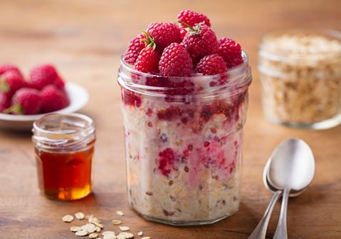 Overnight Oats with Raspberries and Almonds
