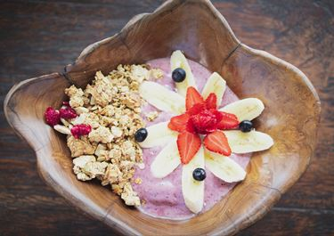 Frozen Yogurt with Muesli and Berries