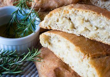 Roasted Garlic and Rosemary Bread