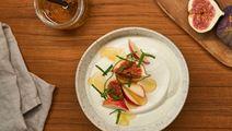Arla Skyr Creamy with fig, apple, honey and fresh mint