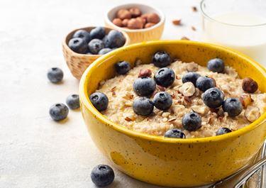 Porridge with Blueberries and Hazelnuts