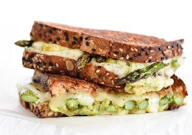 Spicy Smashed Avocado and Asparagus with Dill Havarti Grilled Cheese