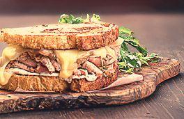 ساندويتش لحم روستو
