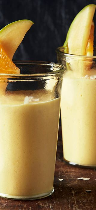 Mango-orange smoothie