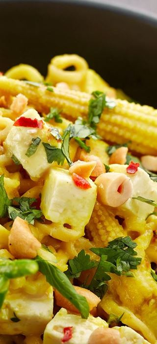 Thai stir-fry with chicken and Castello® Fetta Cubes