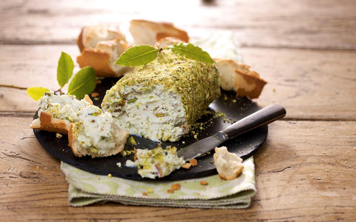 Blue Cheese Pâté with Pistachios