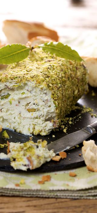 Blue Cheese Pâté with Pistachios