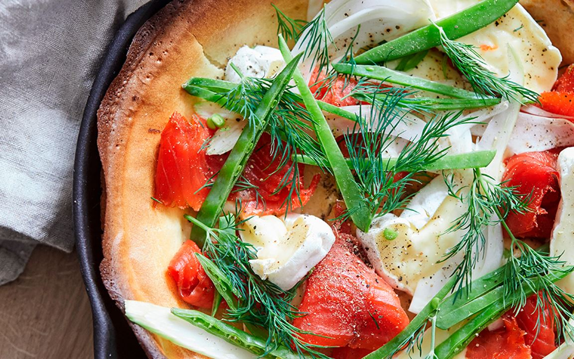Dutch Baby with double creme white, smoked salmon and fennel