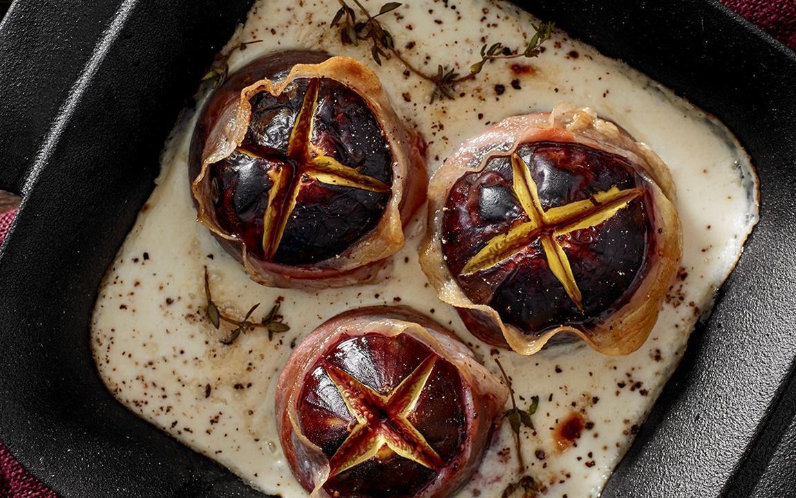 Roasted Figs With Smoked Gorgonzola