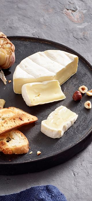 Roasted Garlic Spread Cheese Plate