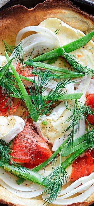 Crêpe soufflée au fromage Crémeux Brie, au saumon fumé et au fenouil