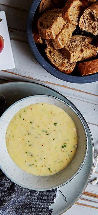 Fondue au fromage Havarti, au vin blanc et à l'estragon