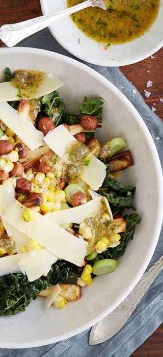 Salade d'automne aux maïs, panais, Havarti et noix