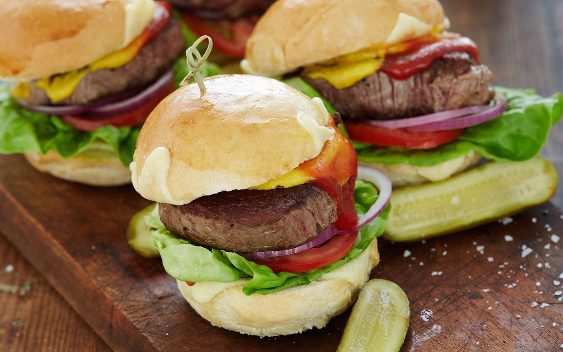 Doppelter Cheesesteakburger