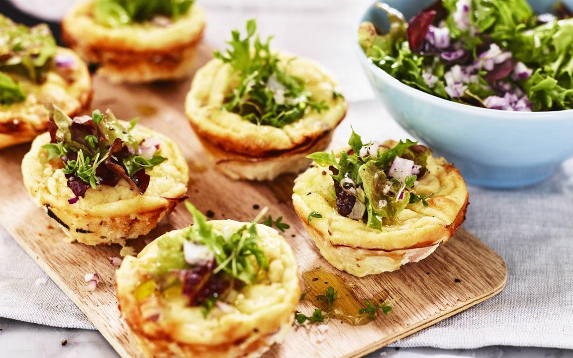 Eier-Muffins mit gereiftem Cheddar