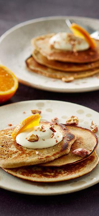 Eierpfannkuchen der Saison mit Zimt und Orange