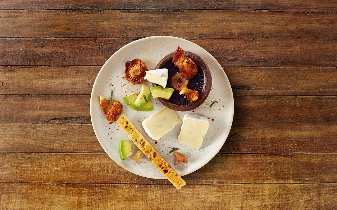 Gegrillte Pilze mit Rosmarin, Avocado und Extra cremiger White