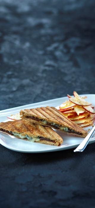 Gegrilltes Blauschimmelkäse-Sandwich mit Feigen