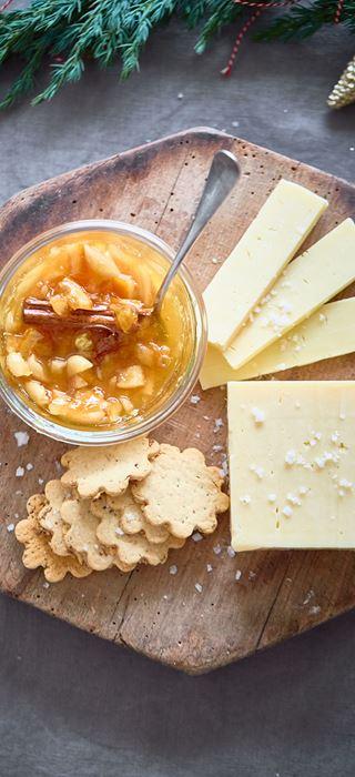 Cheddar og appelsinmarmelade med sherry og mandler