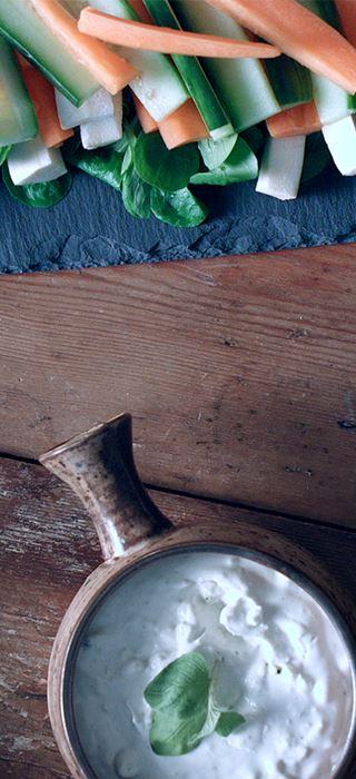 Danablu-dip med rodfrugter