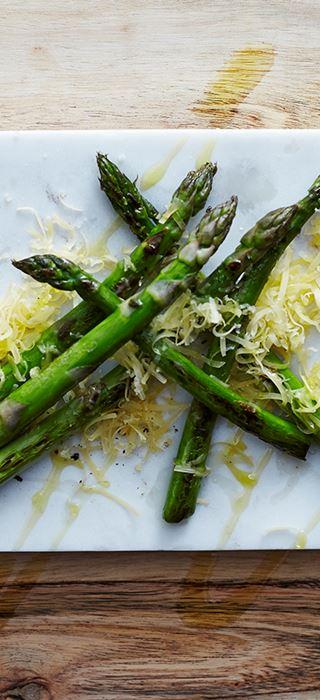 Grillede asparges med Aged Havarti
