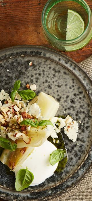 Konfiteret fennikel med Danablu og nødder