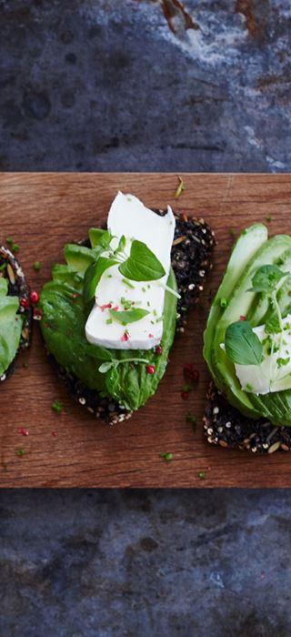 Ristet rugbrød med avocado