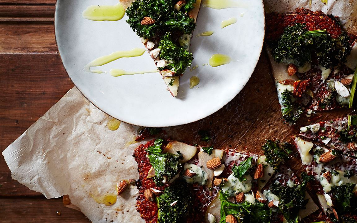Beetroot pizza with pear, Blue Cheese and curly kale