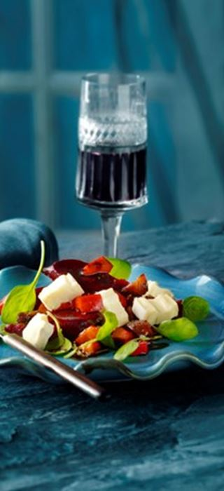 Beetroot salad with Creamy White and fig glace