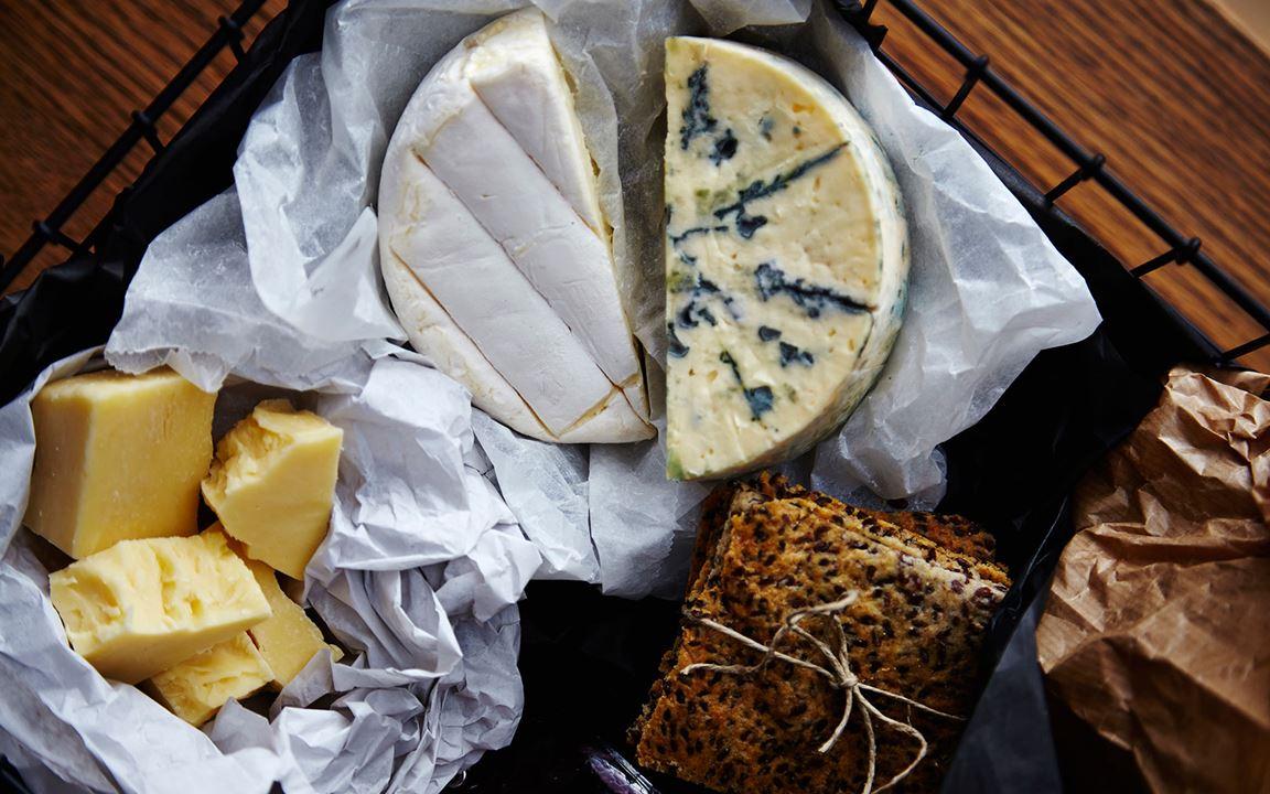 Cheese gift basket