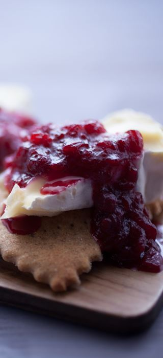 Cranberry chutney for cheese
