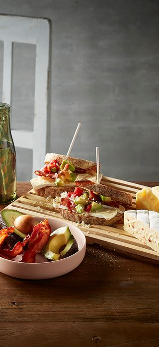 Creamy White with Chilli and Cheddar club sandwich